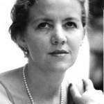 Image of poet Valerie Mejer Caso