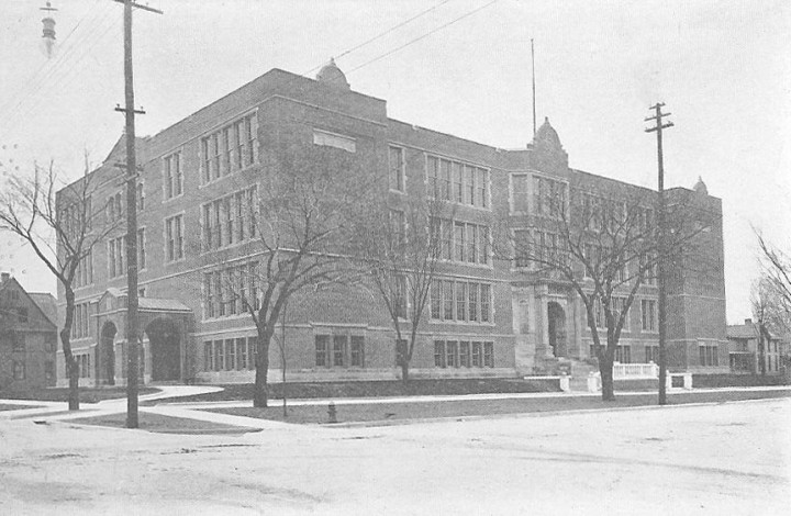 1909 Tychoberahn - New High School.5