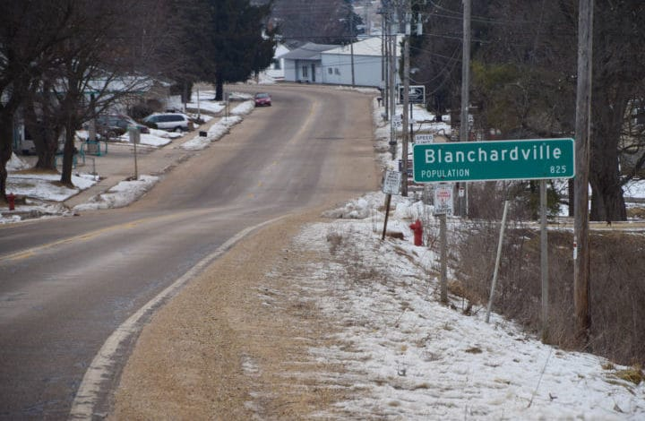 Blanchardville sign population 825